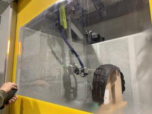 Ultraschallschweißen mittels CNC-Robotik. (Bild: Maucher)