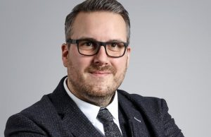 Florian van den Berg, Head of Finance (Bild: Walther Faltsysteme)