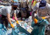 An den Sammelcentern kann Plastikmüll abgegeben und gegen Geld eingetauscht werden. (Bild: Henkel)