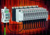 Das NRG-System besteht aus einer NRG-Steuereinheit und mehreren NRG-Halbleiterschützen, die durch interne Bus-Kabel verbunden sind. Ein Abschlusswiderstand beendet die Bus-Kette. Überwachung und Steuerung erfolgt über eine Profinet-Schnittstelle. (Bild: Gavazzi)