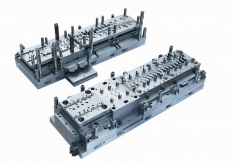 Folgeverbundspritzen in der Praxis: Zwei Drittel der hergestellten Werkzeuge verbleiben bei Kummer zur eigenen Produktion.