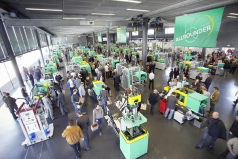 Mit etwa 5.200 Fachbesuchern waren die Technologie-Tage in Loßburg sehr gut besucht. Bild: Arburg