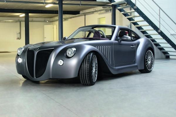 Ein Hybridantrieb mit insgesamt 350 PS und einem ordentlichen Drehmoment verhilft dem Öko-Fahrzeug zu Fahrwerten eines Sportwagens.    (Bildquelle: Voxeljet)