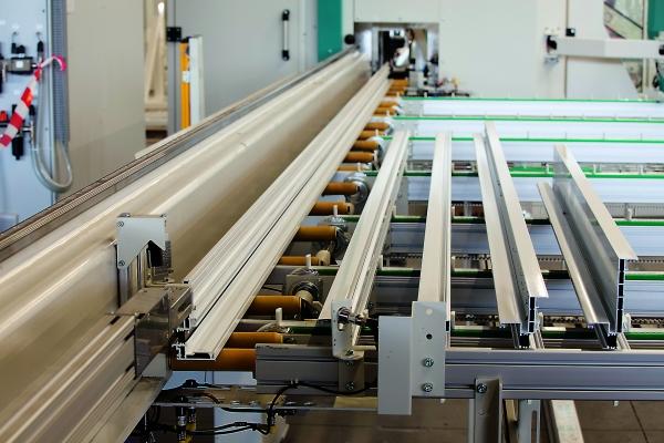 Das modulare Maschinenkonzept bietet ein hohes Maß an Flexibilität – unverzichtbar bei individuellen Spezialmaschinen und sich ständig ändernden Kundenanforderungen. (Bildquelle: Fotolia Konstantin Yuganov.com)