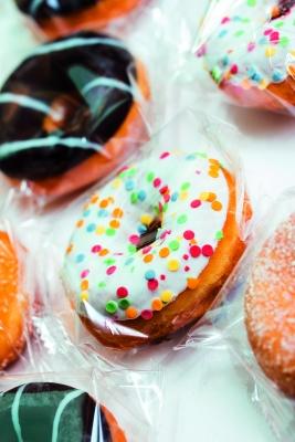 Der Verpackung kommt eine Schlüsselrolle zu, um den Konsum von verzehrfertigen Lebensmitteln mit unseren Lebensgewohnheiten in Einklang zu bringen.  (Bildquelle: Tobias Arhelger-Fotolia.com)