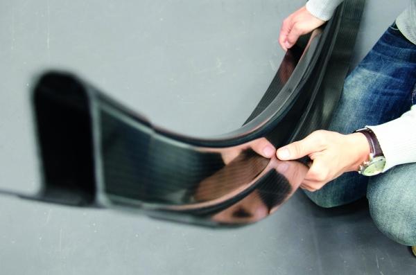 CFK-Spant, hergestellt im Resin Powder Moulding (Bildquelle: LZS)