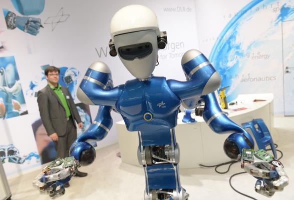 Die Nominierten für den diesjährigen Robotics Award stehen fest. Diesen Preis vergibt die Hannover Messe zum vierten Mal. Anders als üblich, gehen vier statt drei Kandidaten ins Finale. (Bildquelle: Deutsche Messe)