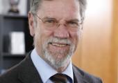 Friedrich Schäfer zum Ehrenvorsitzenden des Industrieverbands Papier- und Folienverpackung gewählt