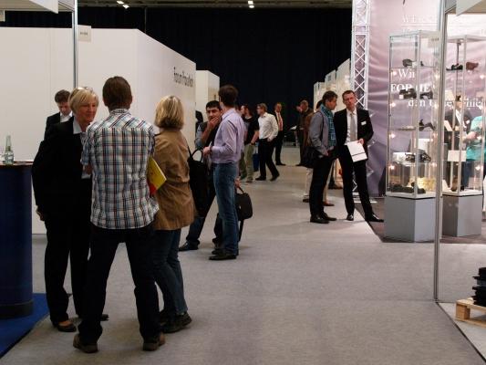 """Zur ersten """"Kunststoffe Regional"""" am 21. Und 22. Mai 2014 kamen rund 650 Besucher in das Messe und Congress Centrum Halle Münsterland, Münster. (Bildquelle: Gründel – Hanser)"""