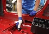 Orthese aus dem 3D-Drucker hilft BMW-Mitarbeitern bei der Montage
