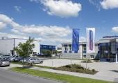 Mehr Kapazität für Großmaschinen bei Wittmann Battenfeld