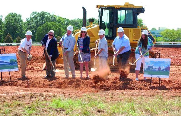 Der Dienstleister der beiden Maschinenbau-Unternehmen hat den Spatenstich für eine neue Nordamerika-Zentrale gesetzt.  (Bildquelle: American Starlinger-Sahm)