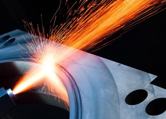 Beispielsweise mit besonderen Oberflächenbearbeitungen lassen sich Kunststoffwalzen individuell auslegen.  (Bildquelle: INOMETA GmbH & Co. KG)