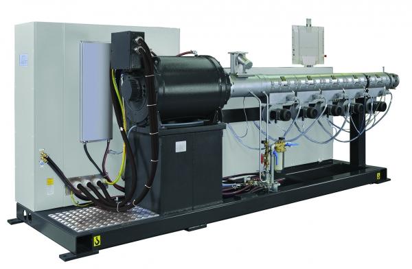 Neues Glättwerk für hohe Ausstoßleistungen in der Folienextrusion (Bildquelle: Battenfeld-Cincinnati)