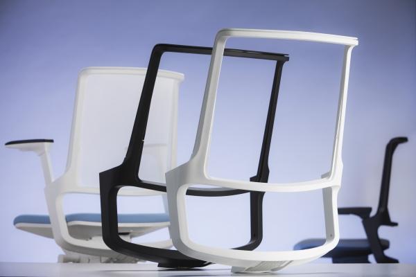 Für die Möbel- und speziell die Stuhlindustrie gibt es viele Gründe, warum sie Kunststoff als Werkstoff ihrer Wahl entdeckt.  (Bildquelle: BASF)
