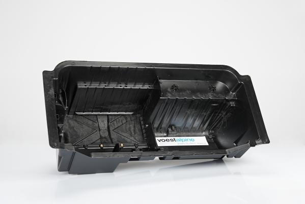 Voestalpine Plastics Solutions hat mit dem neuen DLFT-Polyamid problemlos auf einem Serienwerkzeug für Polypropylen-basiertes GMT eine Kofferraummulde für einen Sportwagen hergestellt  (Bildquelle: Lanxess)